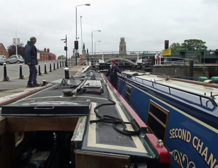 Having a chat outside the lock while we nervously wait for the off
