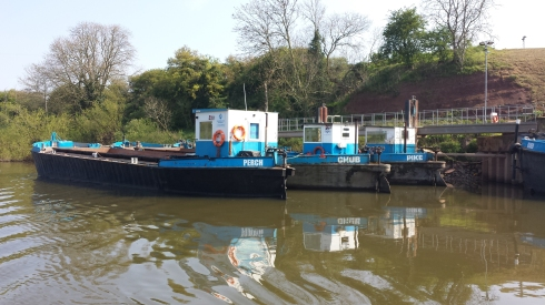 Gravel barges - fortunately they weren't working as it was Easter Sunday so no navigation challenges here!