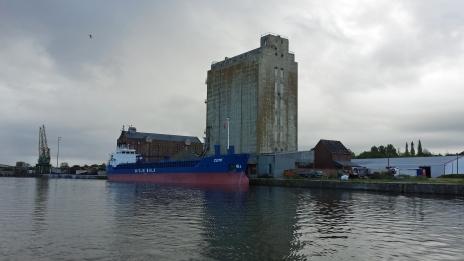 ShipSharpnessDock